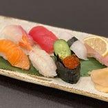 職人が握るお寿司、盛り合わせはもちろん1貫からご注文OK