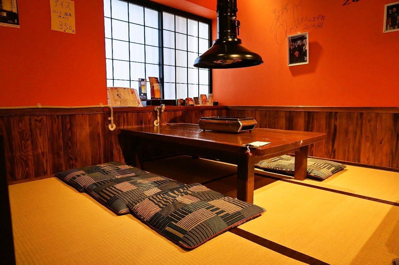 座敷・掘りごたつ・テーブル席・個室