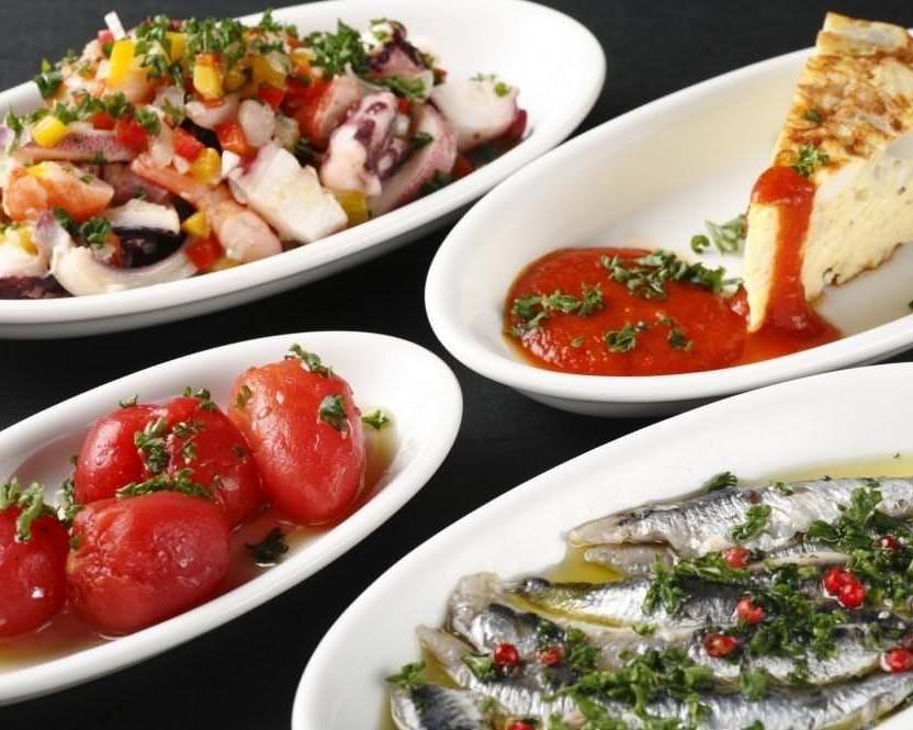 スペインの小皿料理「タパス」を 一皿280円からご用意!