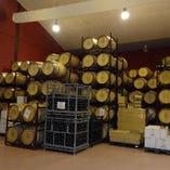 本場のワイナリーよりワインを直接仕入れます。