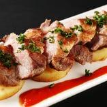 最高級ランクイベリコ豚ベジョータを調理用にも使用!