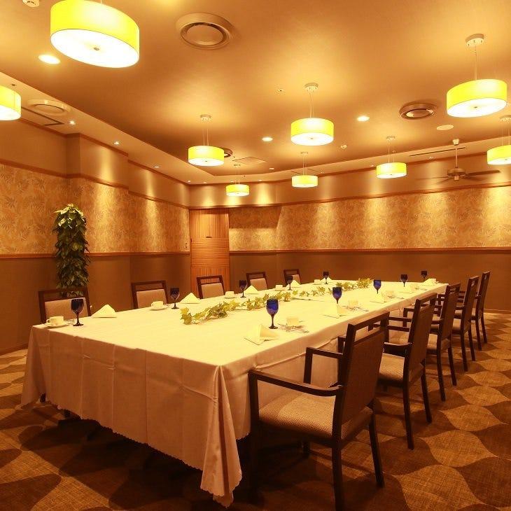 テーブル席・完全個室(壁・扉あり)・15名様~40名様