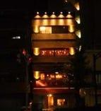 【新川2丁目交差点】 1F40席、2F30席、3F50席個室