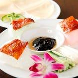 ■人気の北京ダックは+300円で食べ放題に付けられます。
