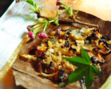 牡蠣と日替わり根菜の朴葉焼