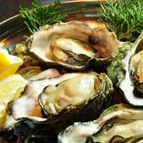 殻つき焼き牡蠣