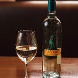 緑のワインと呼ばれる『ヴィーニョ・ヴェルデ』はグビグビ飲めます