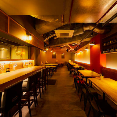 A4和牛寿司 肉バル BISON-バイソン- 本厚木店 店内の画像