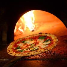 石窯で焼き上げた至高の本格ピッツァ