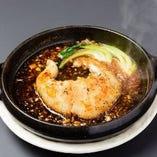 ふかひれ姿のステーキ土鍋焼き