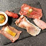 肉寿司5貫食べ比べ