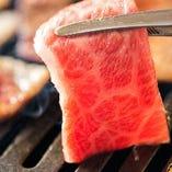 肉の旨味を噛み締めながら、ご飯やお酒と一緒にお楽しみください