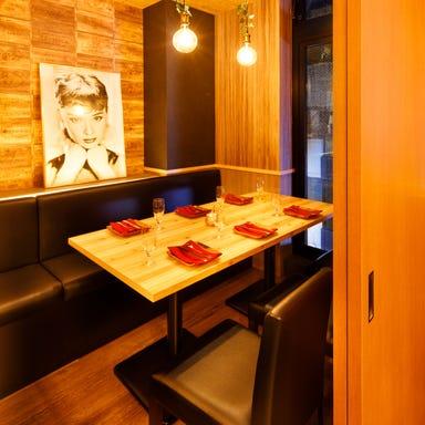 和牛ロングユッケ寿司とチーズ料理 肉バル ミート吉田 熊本店 店内の画像