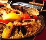 大人気!出汁から炊き上げた本場スペインの本格パエージャ!