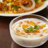 インドのヨーグルトサラダ「ライタ」