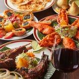 新鮮なスパイスを使用し、本場の味わいさながらの風味に仕上げたインド料理の数々