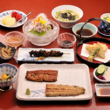 うなぎ料理と旬の食材を楽しむコース