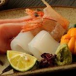 毎日直接買い付け。鮮度抜群の魚はぜひお造りで!