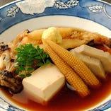煮物・揚げ物・飯物など、豊富なメニューも魅力