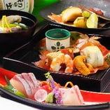 懐石には旬の食材と京都の味覚をふんだんに盛り込んでいます