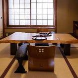 元お茶屋の風情を色濃く残す個室が3部屋。風雅と静寂の空間です