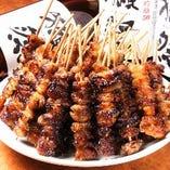 当店自慢の鶏皮串のタレ焼きです! 前日までの予約特典なので、皮好きのお客様は予約必須です!