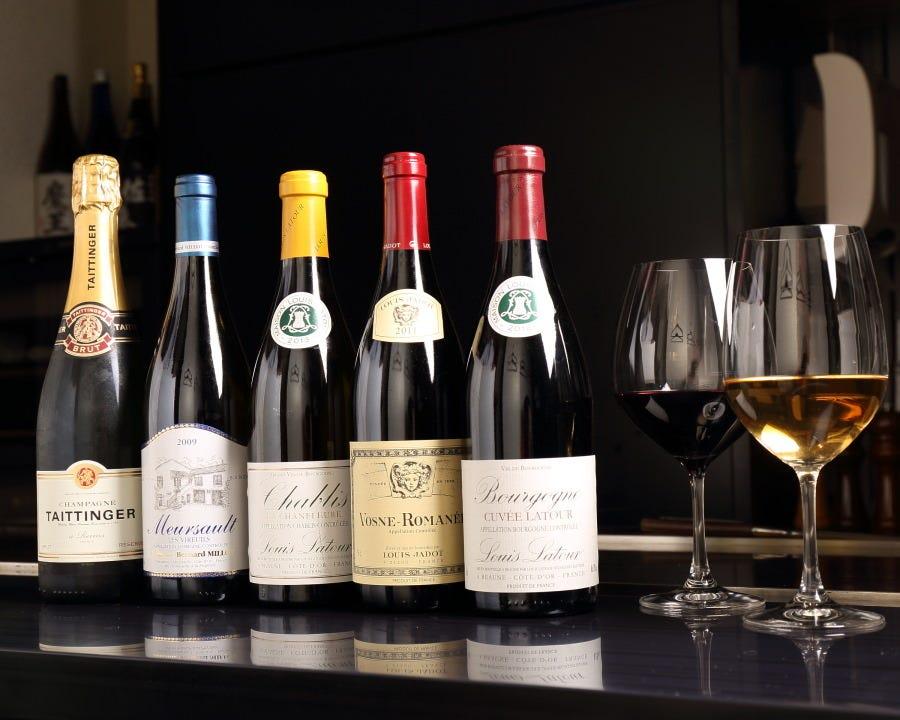 約20種類のワインを取揃えております