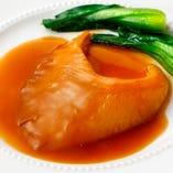厳選した季節の食材を経験豊富な当店のシェフが調理