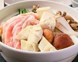 茶美豚のお肉と餃子が両方入った【茶美豚餃子鍋】もあります♪