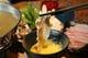 黄金色のスープにさっとくぐらせ、玉子を絡め食すあぐーは絶品♪