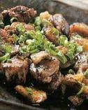 こだわりの備長炭で豪快に炙ったもも肉をご賞味ください!