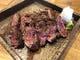 【牛肉の黒胡椒ステーキ】牛にもこだわります!