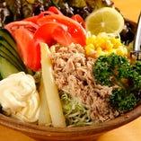 べこちゃんビックリ野菜サラダ(青じそドレ)