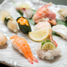 主役の鮨を引き立てせる季節の和食