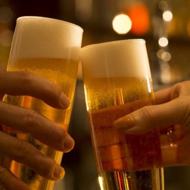 サーバーから黄金比率でお出しするビールは今の時期美味しい