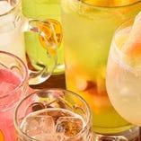 [多彩なドリンク] フレッシュな果物を使った果実酒やワインなど