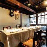 【1階】テーブル半個室席(最大10名様まで)