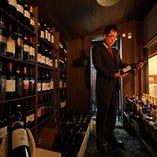 ワインセラーにはヴィンテージワインも完備