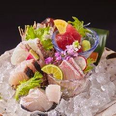 鮮魚のお造り盛り合わせ (五種一貫)