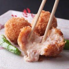 蟹肉と濃厚なクリームソース《かにクリームコロッケ 1個》