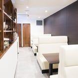 穴子家NORESOREは、37席(一階16席、二階21席)のお店です。