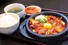 豚肉とキムチの旨辛炒め定食