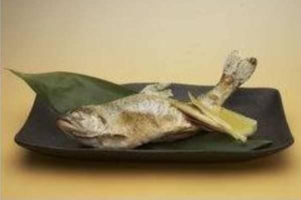 中禅寺湖産ヒメマスの塩焼き