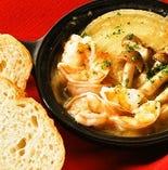 その3-1★パエリアなら…もっとスペインを満喫 やっぱりスペイン料理の定番「海老のアヒージョ」