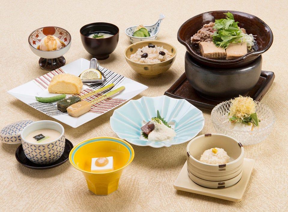 【風待草 /全12品】人気メニューと牛すき鍋が楽しめるお手軽膳