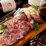 自慢の赤身肉!ワインと合います!