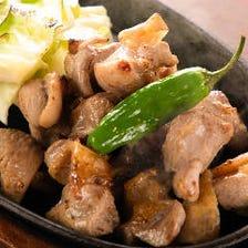 格別の肉質と食感!絶品地鶏料理◎