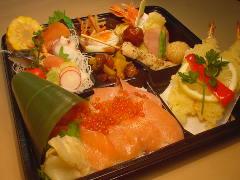◆御料理弁当【桜鱒寿し】◆