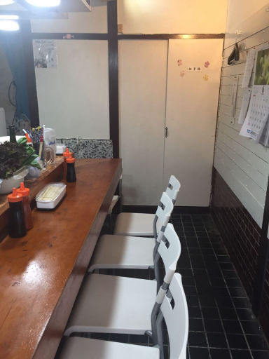 ベトナム料理 Xin chao 六本松店  店内の画像