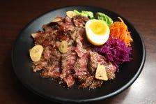 牛ミスジのステーキ丼【990円税込】